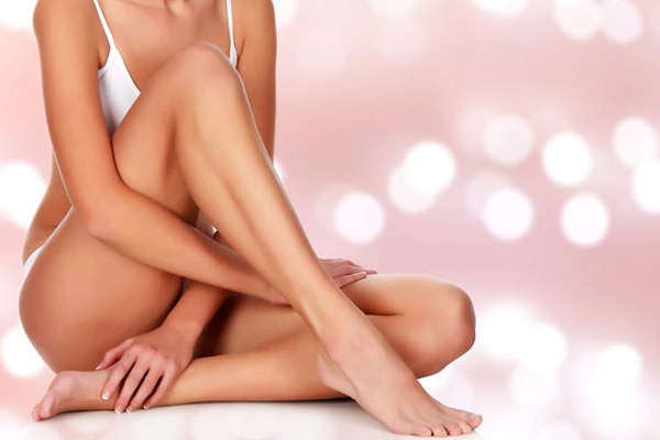 Get your summer look with a professionally applied spray tan at Rejuvi in Vredenburg today! A sun-kissed look, but healthier.